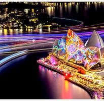 閃購限時省♯《繽紛燈光藝術節》雪梨藍山歌劇院‧塔隆加親子動物園‧英式雪梨大學‧浪漫渡輪超值7日