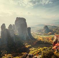 典藏杜拜希臘12天~雙島、天空之城、帆船用餐、法拉利、羅浮宮