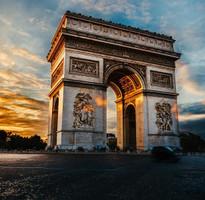 【賺很大】法國沃子爵城堡、OUTLET血拼、巴黎大堂、塞納河遊船8日