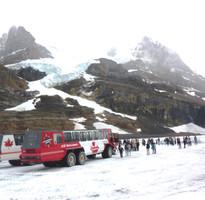 【賺很大】加拿大洛磯山脈~搭乘冰原雪車、五大國家公園、四大名湖、班夫小鎮、OUTLET購物9日