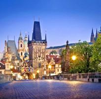 【賺很大】捷克童話小鎮、迴轉小火車主題餐廳、夜泊布拉格3晚8日