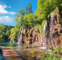 尚愛克羅埃西亞~中段搭飛機、杜布羅尼克、十六湖國家公園、維也納半日閒10日(含稅)
