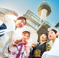 爭妍韓國~穿韓服遊首爾塔(含上塔)、樂天世界、冰雪樂園、韓服體驗、塗鴉秀優質四天【台中直飛、德威】