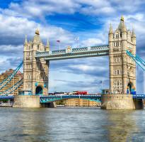 閃購限時省♯【賺很大】英國巨石陣、莎翁故居、時尚購物中心、加贈倫敦塔橋天空步道8日